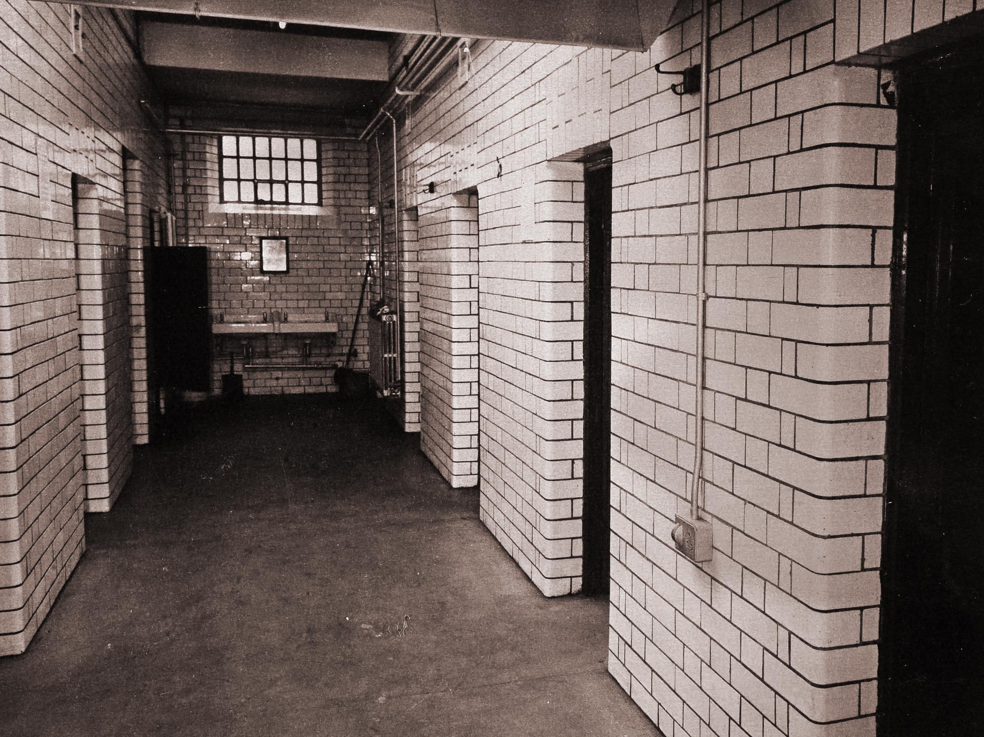 Male Cell Block, 1976 - Leicestershire Record Office