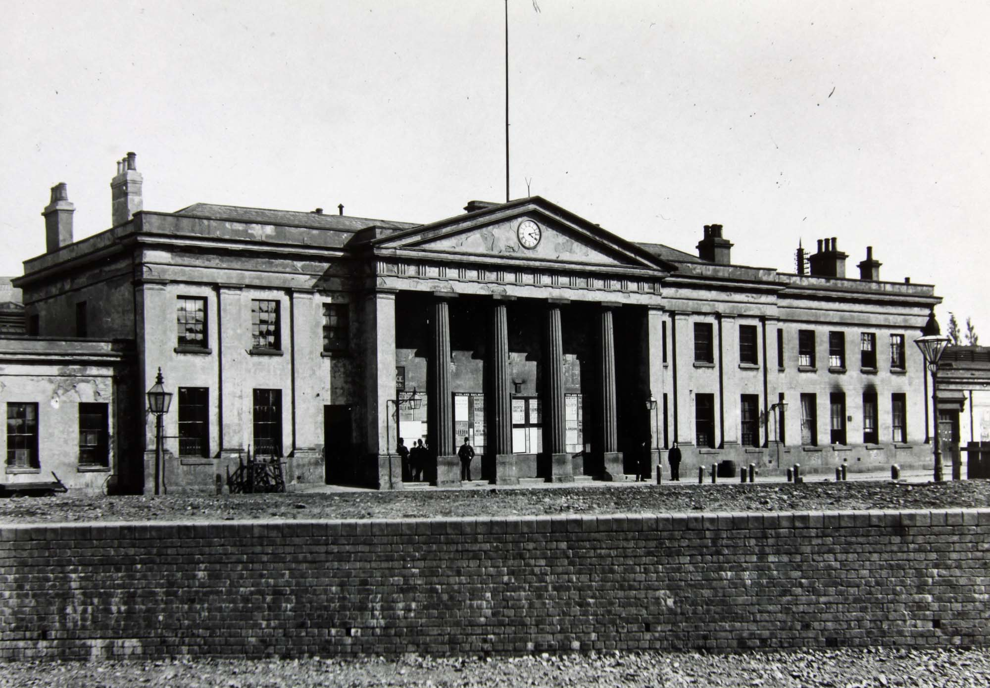 The columned frontage of Campbell Street Station - Leicestershire Record Office