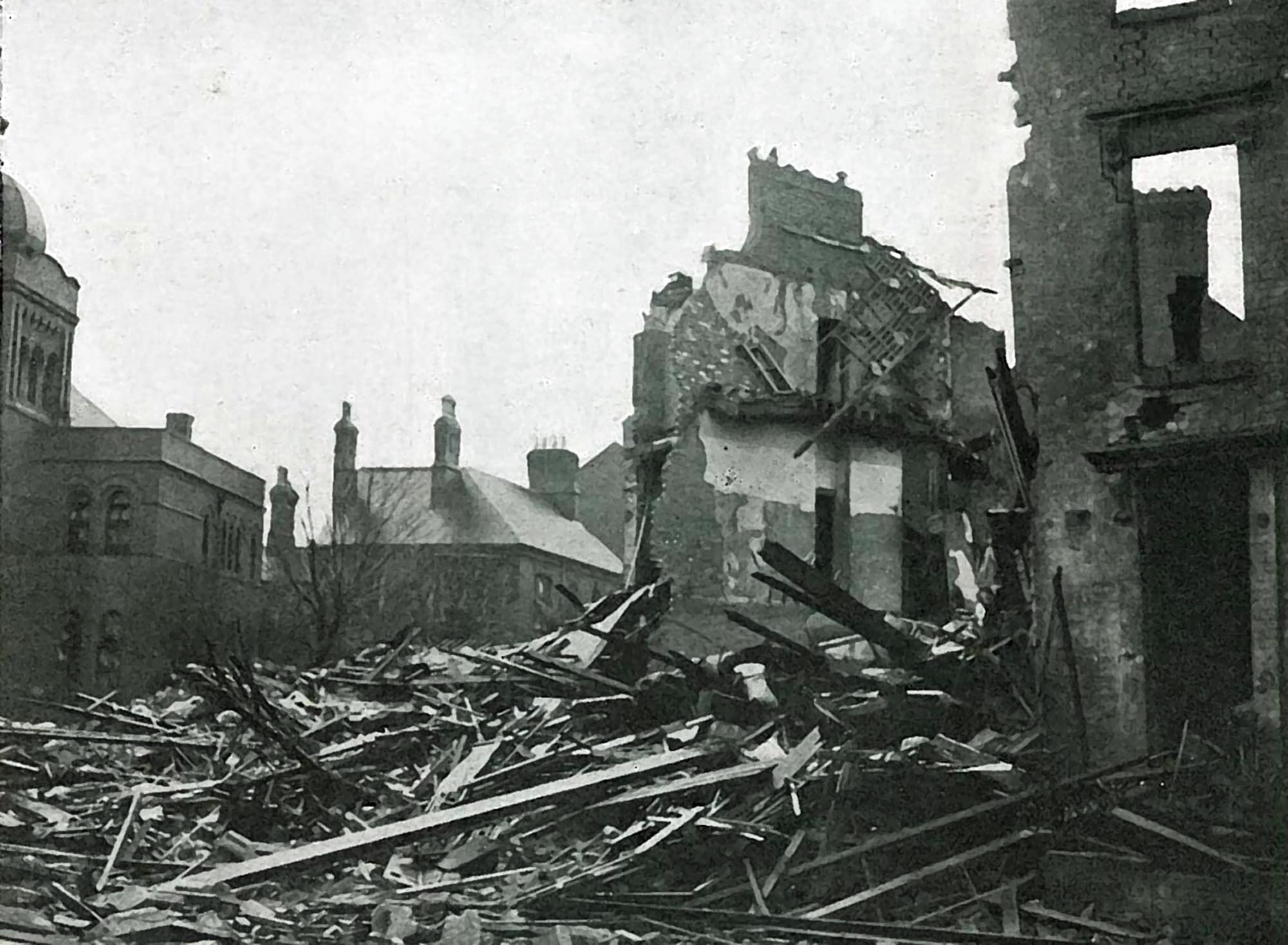 Highfield Street November 1940 after the bombing raid. The synagogue, on the far left, survived - Leicester Mercury Archive at the University of Leicester