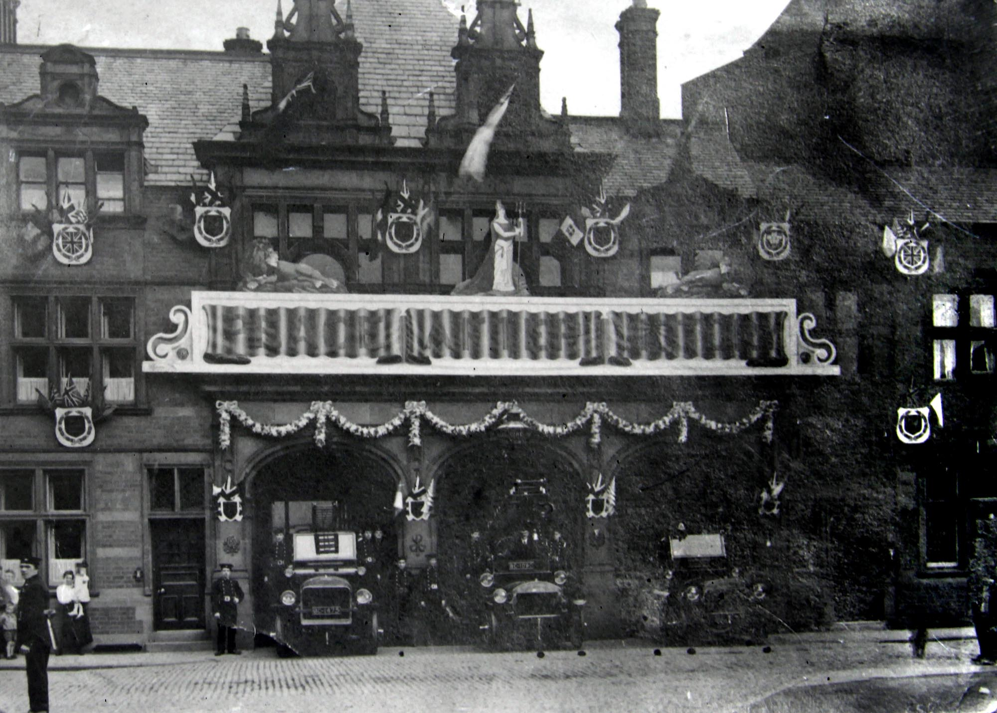 Rutland Street Fire Station decorated for the 1902 coronation of King Edward VII and Queen Alexandra - Leicestershire Record Office