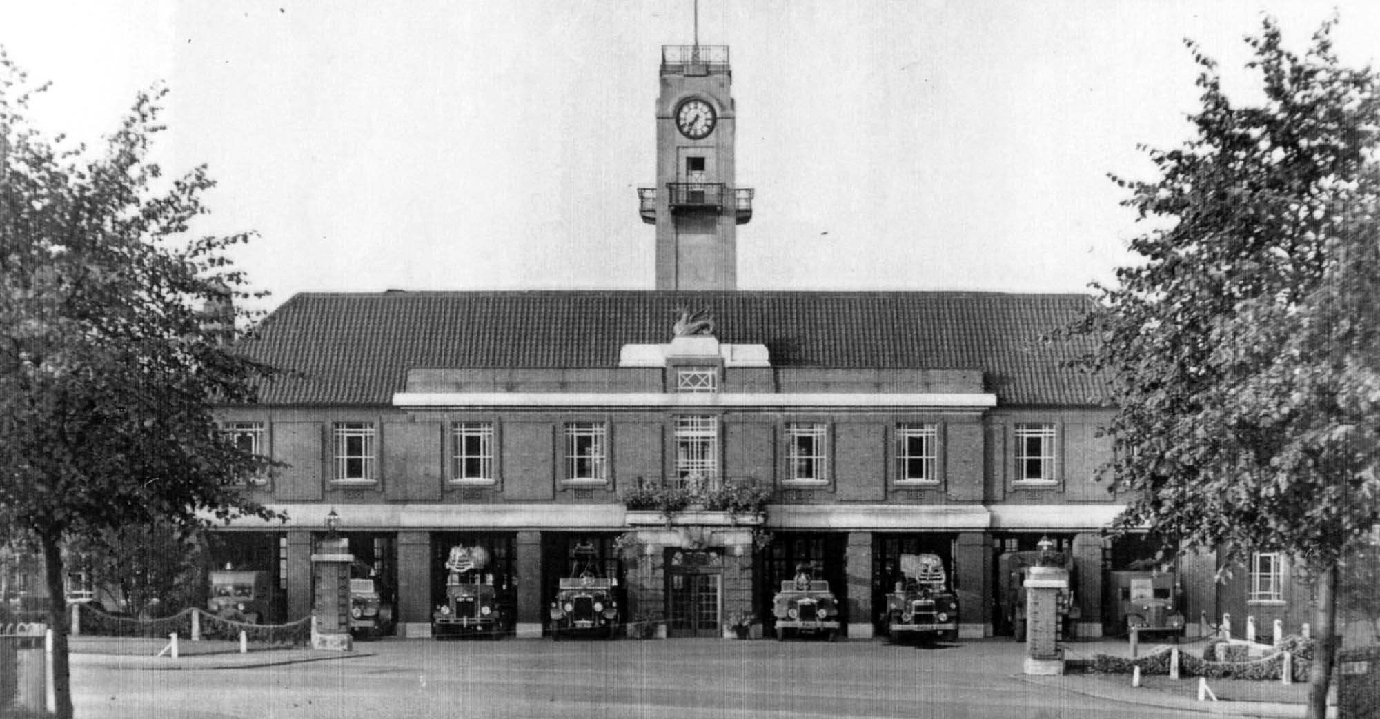 Central Station in the early 1940s with many open cab engines and special wartime vehicles in the far bays either side - Malc Tovey