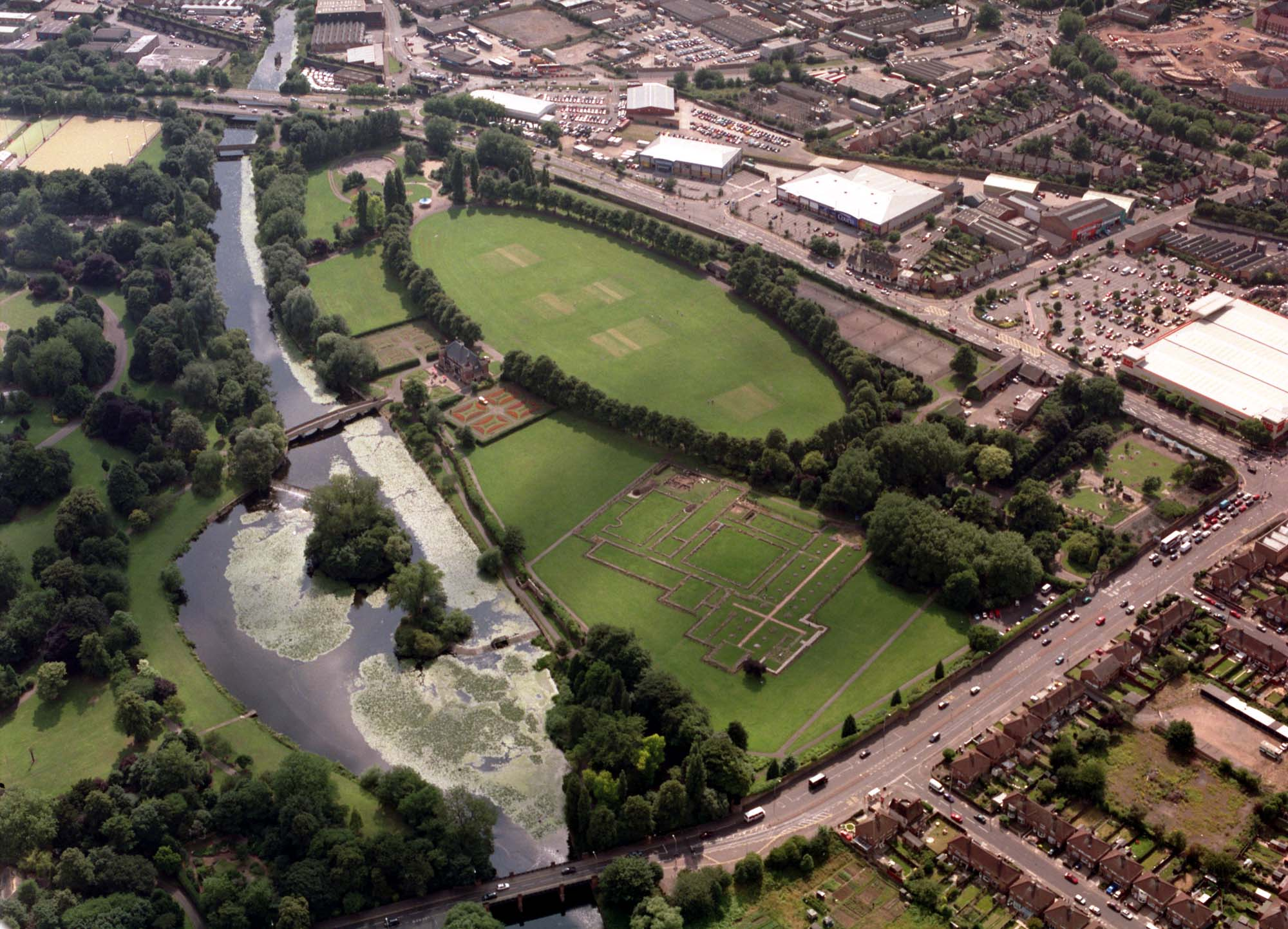 An aerial view of Abbey Park showing The Oval next to the ruins of Leicester Abbey, 2003 -