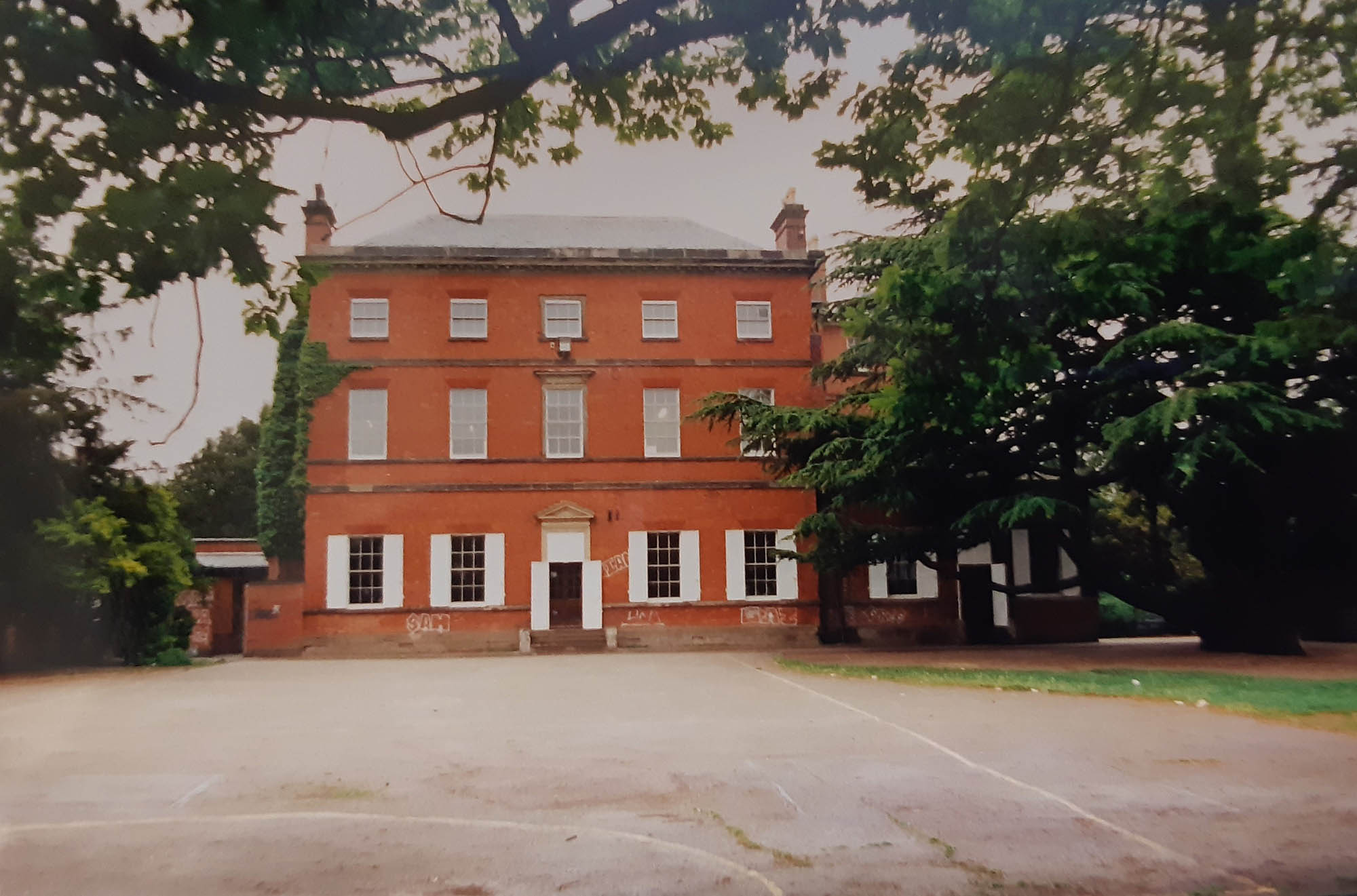 Back of the School in 1996 - Braunstone History Group